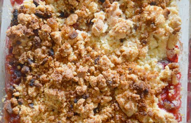 recette crumble pêches fraises speculoos
