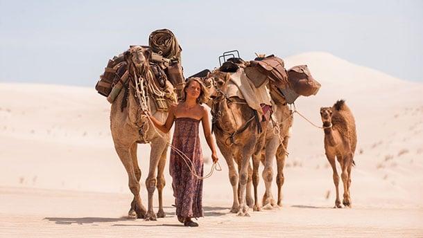 voyager-seule-tracks-chameaux