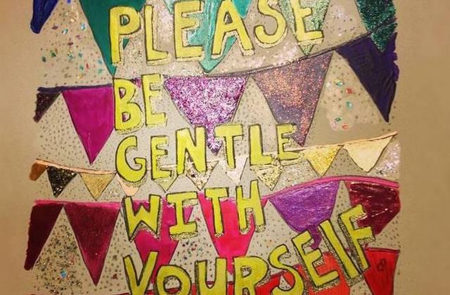 Le cahier de coloriages à messages positifs, l'accessoire anti-coup de mou