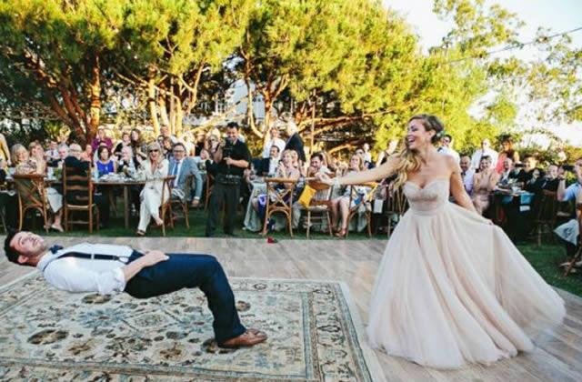 Une danse de mariage pleine de… tours de magie