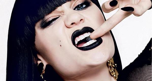 jessie-j-black-lipstick