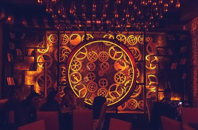 L'Enigma Café, un bar steampunk au design époustouflant