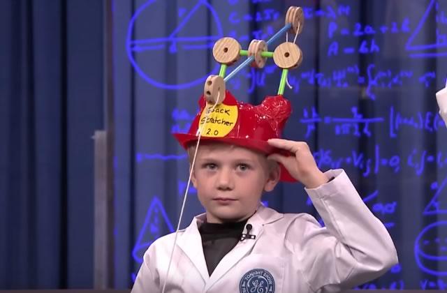Le gratte-dos du futur inventé par un enfant de 8 ans (chez Jimmy Fallon)