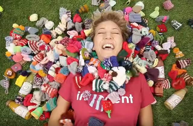 Innocent t'invite à tricoter ton petit bonnet solidaire