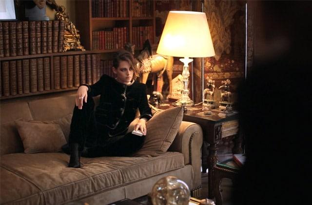 Lily-Rose Depp et Kristen Stewart dans une nouvelle vidéo de Karl Lagerfeld pour Chanel