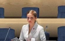 «More women» dénonce la sous-représentation des femmes dans différentes industries