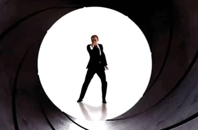 Toutes les morts des « James Bond » compilées en vidéo