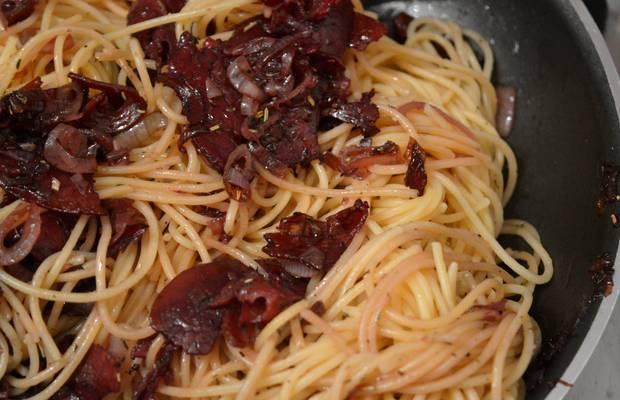 recette vin rouge spaghettis échalote