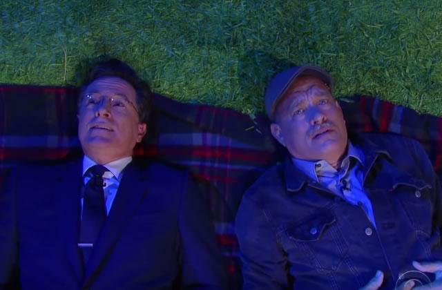 Tom Hanks et Stephen Colbert se posent les VRAIES questions
