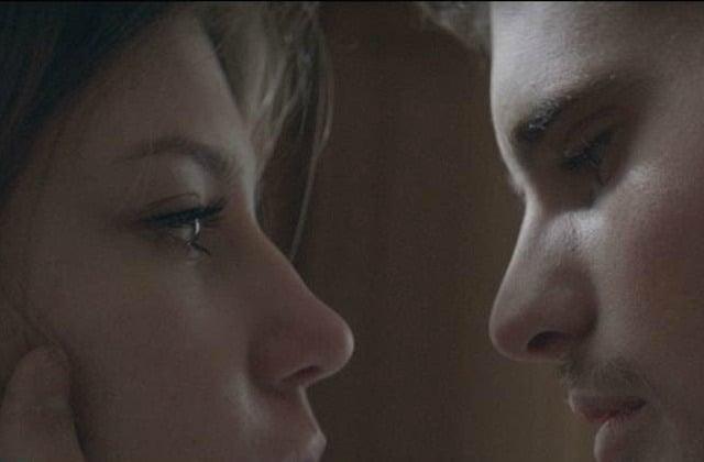 Adèle Exarchopoulos en amoureuse transie dans «Fire», le nouveau clip de Toys