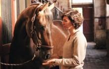 Camille, biomécanicienne et co-fondatrice d'Equisense, le premier capteur connecté pour l'équitation