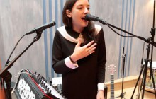 Clarisse (Nouvelle Star 2014) chante « Half the man » au piano