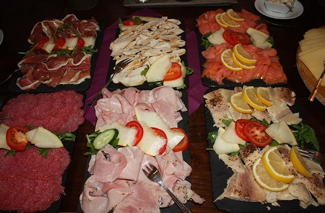 marche-noel-scandinave-repas