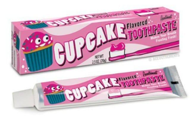 Le dentifrice goût cupcake — Idée cadeau pourrie