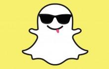 Sur le SnapChat madmoiZelle : décoration des nouveaux bureaux et l'enfilage de manteau avec du vernis !