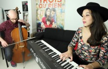 Holy Two chante « Undercover girls » en acoustique