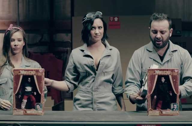 Fall Out Boy et Demi Lovato tournent, seize ans après, la suite du clip «It's Gonna Be Me» de N'Sync