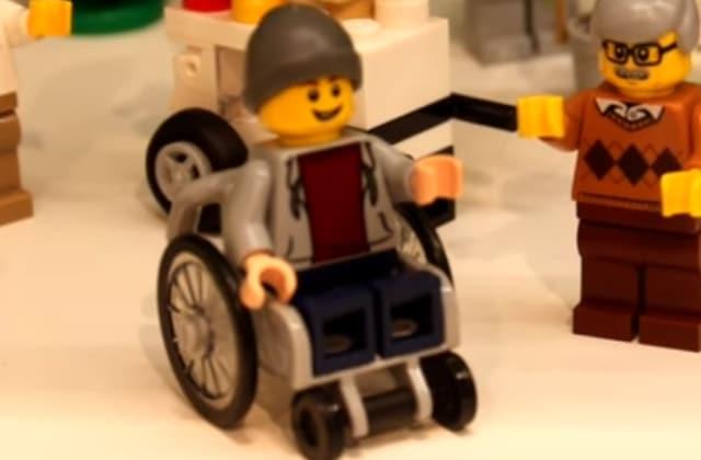 LEGO sort un personnage en fauteuil roulant !