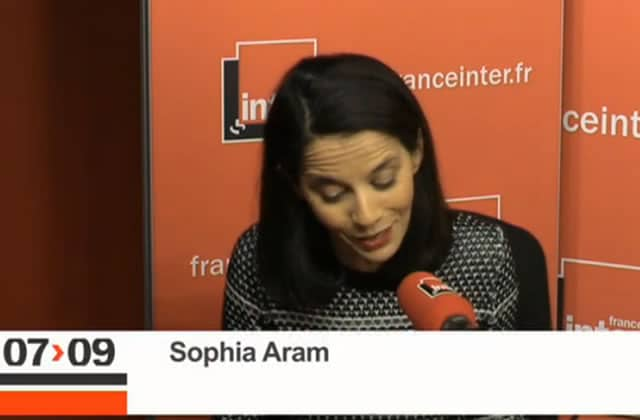 Sophia Aram tacle les opposants au droit à l'avortement libre et gratuit