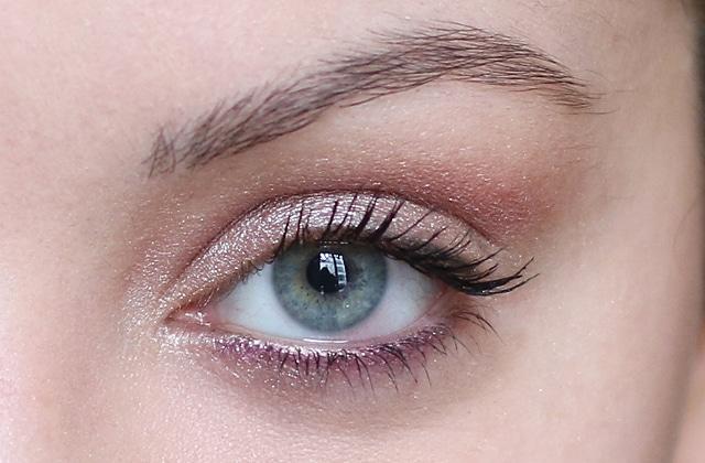 Exceptionnel beauté — Maquillage lumineux avec les fards à paupières Colorful  GW49