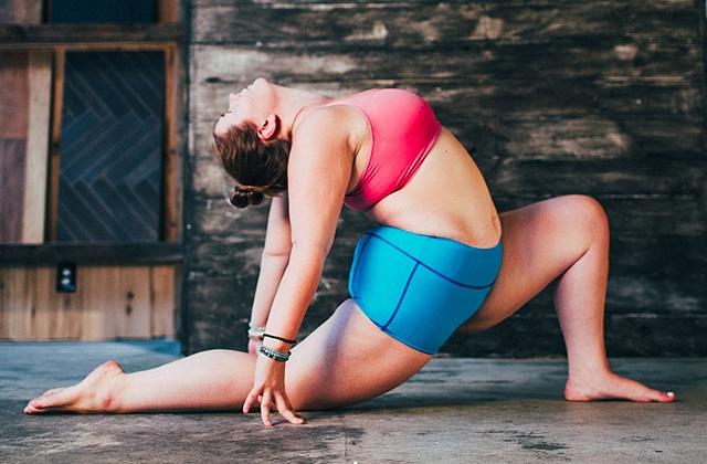 Le yoga et l'amour de soi réunis sur l'Instagram d'une inspirante jeune femme