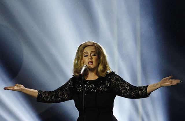 Adele rend hommage, en chanson, aux victimes des attentats de Bruxelles