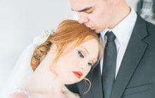 Madeline Stuart, jeune mannequin trisomique, pose en mariée !