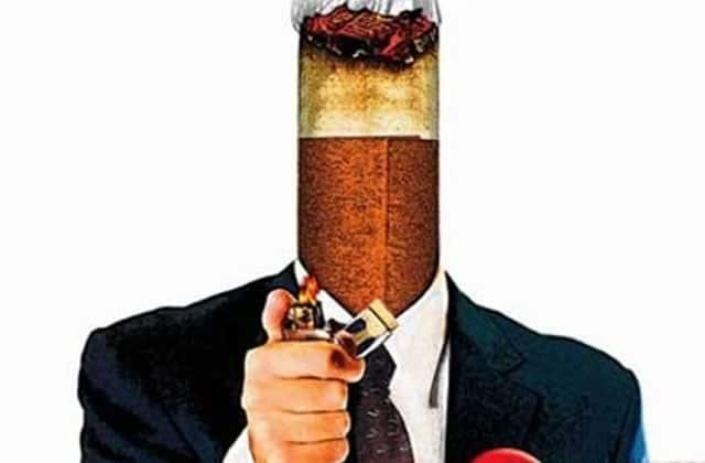 Le paquet de cigarettes neutre s'installe en France