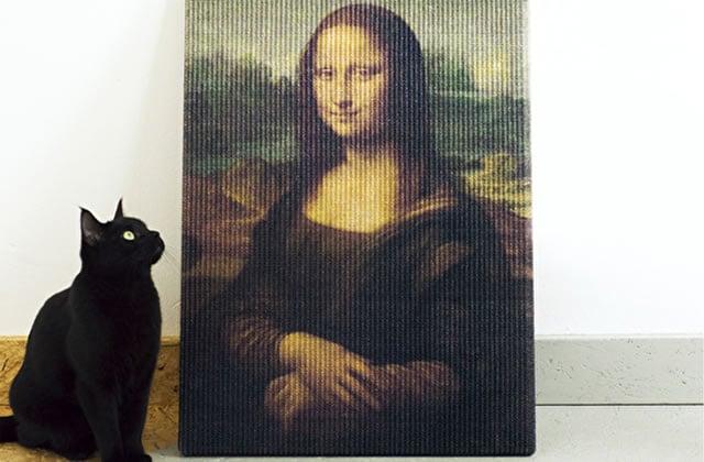 Le griffoir pour chat «Joconde», car l'art, ça se respecte