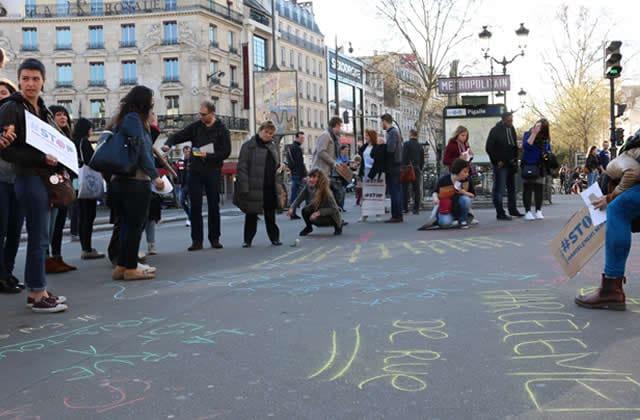 la chalk walk trace des messages anti harc lement de rue la craie. Black Bedroom Furniture Sets. Home Design Ideas