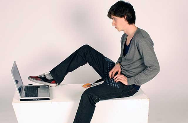 Le pantalon-clavier, miracle du futur qui laisse perplexe