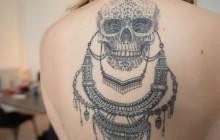 Lucien Maine et ses tatouages hachurés