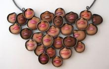 Les bijoux à base de morceaux de Barbie, du côté creepy de la Force