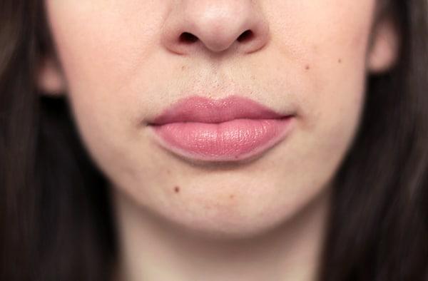 rouge à lèvre nude clinique