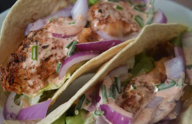 Sauce fromagere tacos recette trendy garnir avec le reste des ingrdients with sauce fromagere - Recette tacos sauce fromagere ...