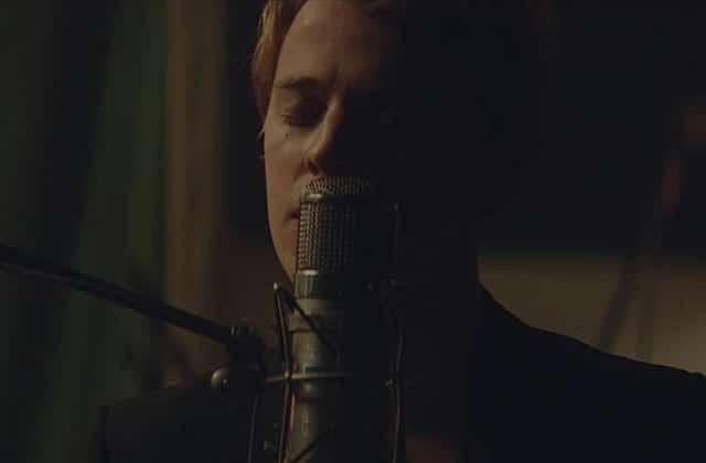 Tom Odell dévoile «Somehow», un nouveau son tout doux extrait de «Wrong Crowd»