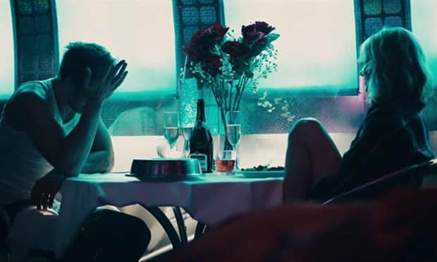 blue-valentine-motel-couple
