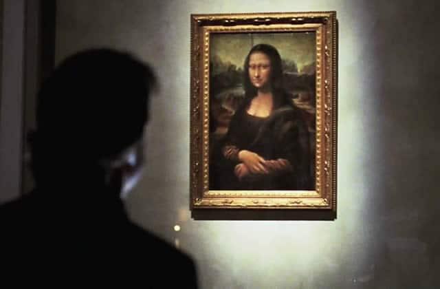Le Louvre, la crue de la Seine et les médias