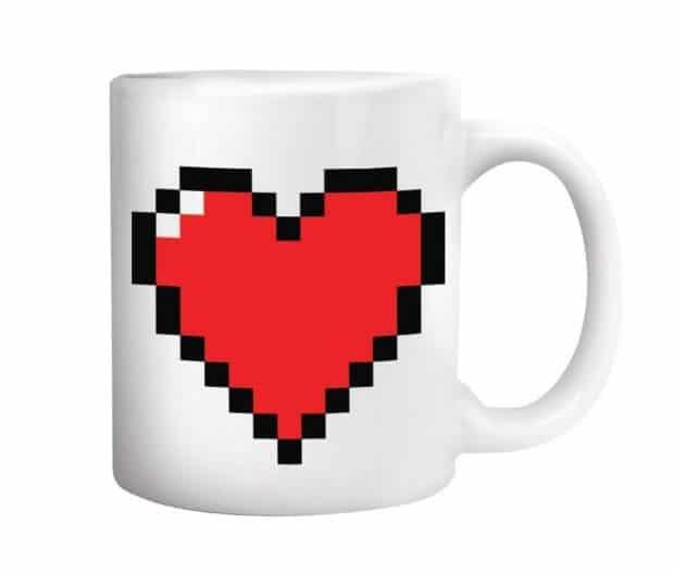 tasse-magique-coeur-pixels-amazon