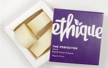 La crème hydratante solide, la bonne idée pour limiter les emballages inutiles!