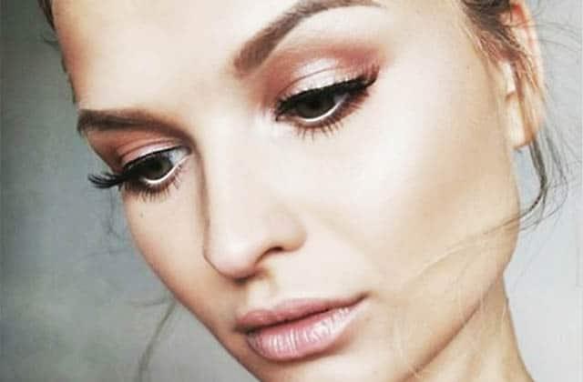 Comment adopter le maquillage rose gold cet été?
