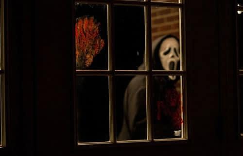 scream fenêtre