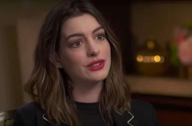 Anne Hathaway prône l'amour de son corps post-grossesse