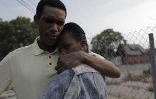 « First Date », un premier rôle plein de charme pour Parker Sawyers, dans la peau de Barack Obama