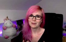 La streameuse RedFanny explique en vidéo comment colorer ses cheveux