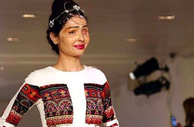 Reshma Qureshi, défigurée à l'acide, star de la Fashion Week 2016