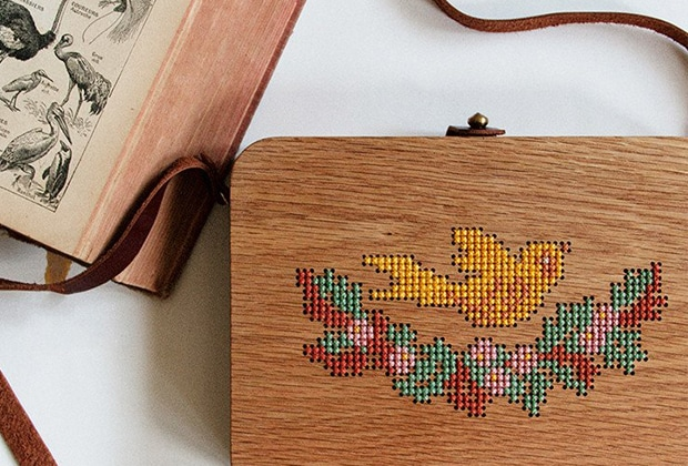 les sacs en bois brod s au point de croix la mignonnerie de ce d but d 39 automne. Black Bedroom Furniture Sets. Home Design Ideas