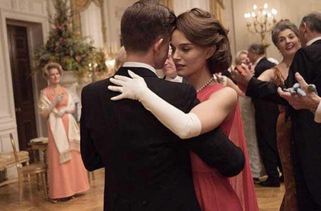 Natalie Portman sur le chemin des Oscars en Jackie Kennedy