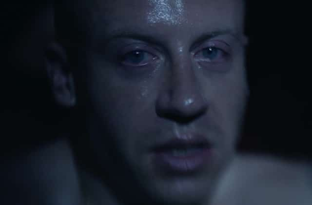 Macklemore combat son addiction à la drogue dans le clip poignant « Drug dealer »