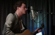 James TW chante « When you love someone » (et reprend aussi « Torn » !)